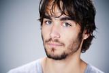 homme caucasien / européen portrait