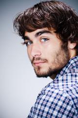 homme brun portrait beauté