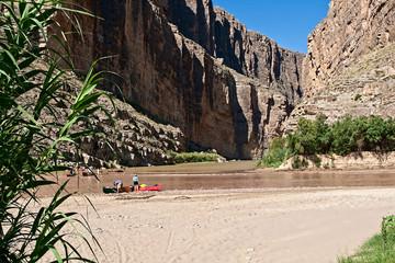 Unidentified tourists on Rio Grande River