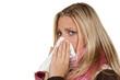 traurige frau mit erkältung