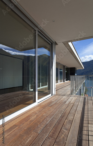 Scorcio di casa moderna esterno de alexandre zveiger for Esterno casa moderna