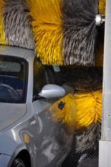 Auto durante lavaggio