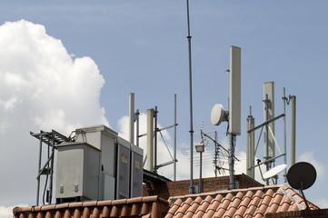 Transformador de alta y  antenas