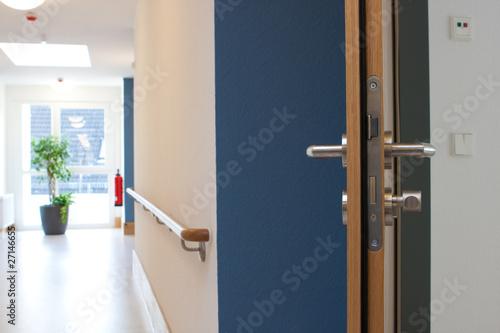offene Tür Flur © Matthias Buehner