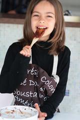 enfant cuisinière