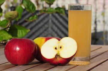 Natürlicher Apfelsaft
