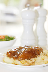 Mashed Potato with Sausages and Gravy