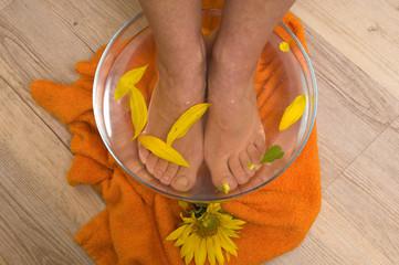 aromatherapy foot soak in bowl