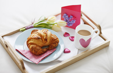 valentine's day breakfast tray