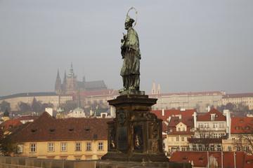 Statue Heiliger Nepomuk Karlsbrücke Prag