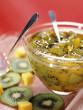 Confiture de kiwis et mangues