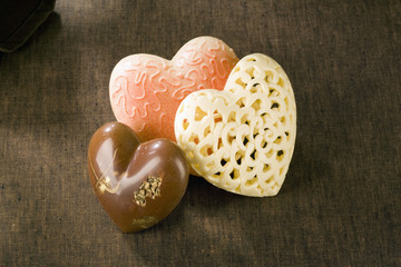 Trois confiseries en forme de coeur