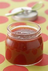 Confiture de tomate et de gelée de pomme
