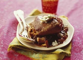 Pavé de boeuf au beurre de roquefort et fricassée de champignons