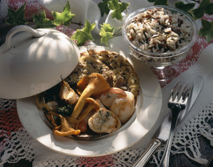 Pan-fried scallops with rice cakes