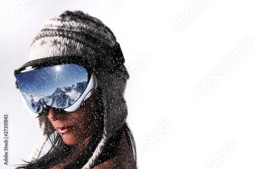 femme et masque de ski sous la neige de asaflow photo. Black Bedroom Furniture Sets. Home Design Ideas