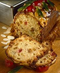 Brioche-style fruit cake