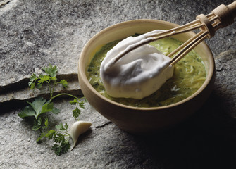 Garlic and parsley sauce