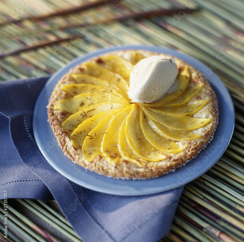 mango tart with Bourbon tea ice cream
