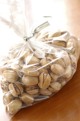 packet of pistachios
