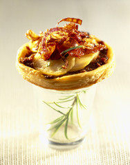 bacon and onion tarlet