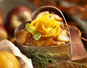 Apple and orange hot-cold pudding