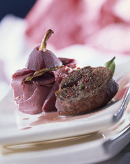 Doe fillet and pear and red wine mini charlotte