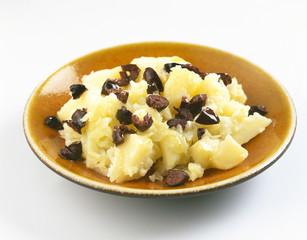 Mashed potatoes with black olives