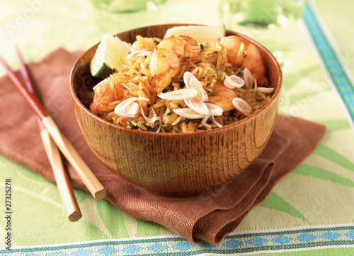 Pan-fried rice with shrimps and lemon grass