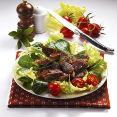 Salad with gizzards