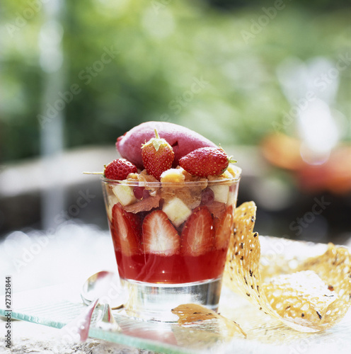 fresh fruit with iced tea and lemon grass