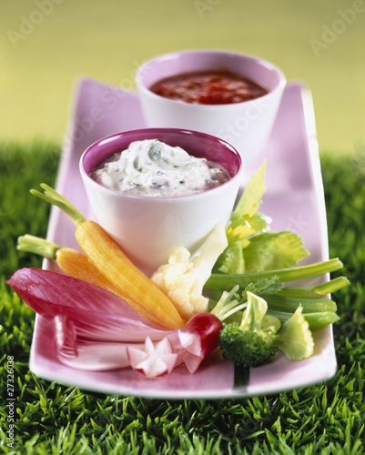 raw vegetables and dips
