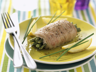 lemon-flavored veal escalope with French beans