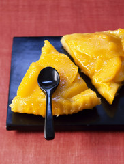 Mango tatin tart with Espelette pepper