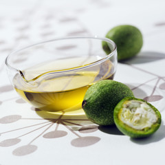 Green walnut oil