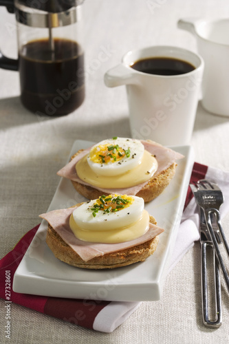 Egg and ham muffins and black coffee