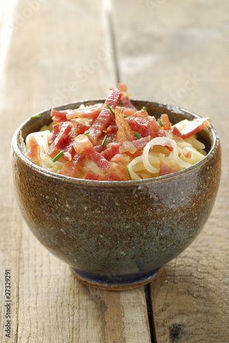 Puntalette with sweet onions and pancetta