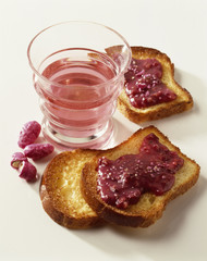 Slices of Brioche with pink pralines