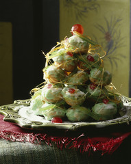 Christmas tree-shaped cream puffs
