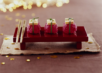 Beetroot rice and tofu Sushis