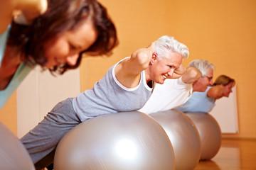 Rückenkurs im Fitnesscenter