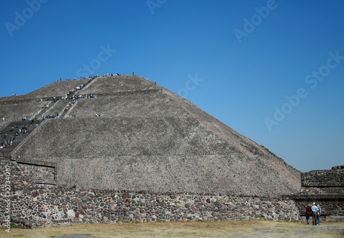 sun pyramid of teotihuacan