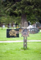 Grave cross 2