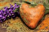 Herz mit Lavendelblüte