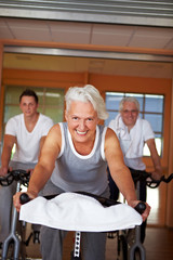 Spinning-Kurs im Fitness-Center