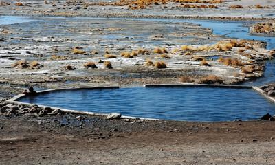 relax in una vasca termale naturale in bolivia