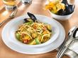 spaghetti aux moules et fleur de citrouille - cozze - zucca