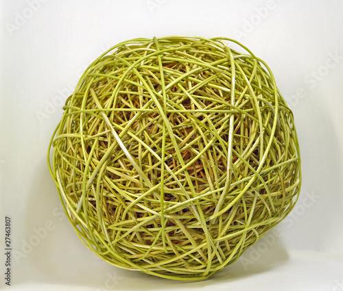 Декоративный шар из веток ивы.