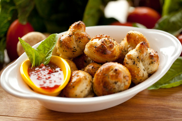 Italian Garlic Bread Knots