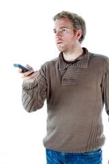 homme avec télécommande